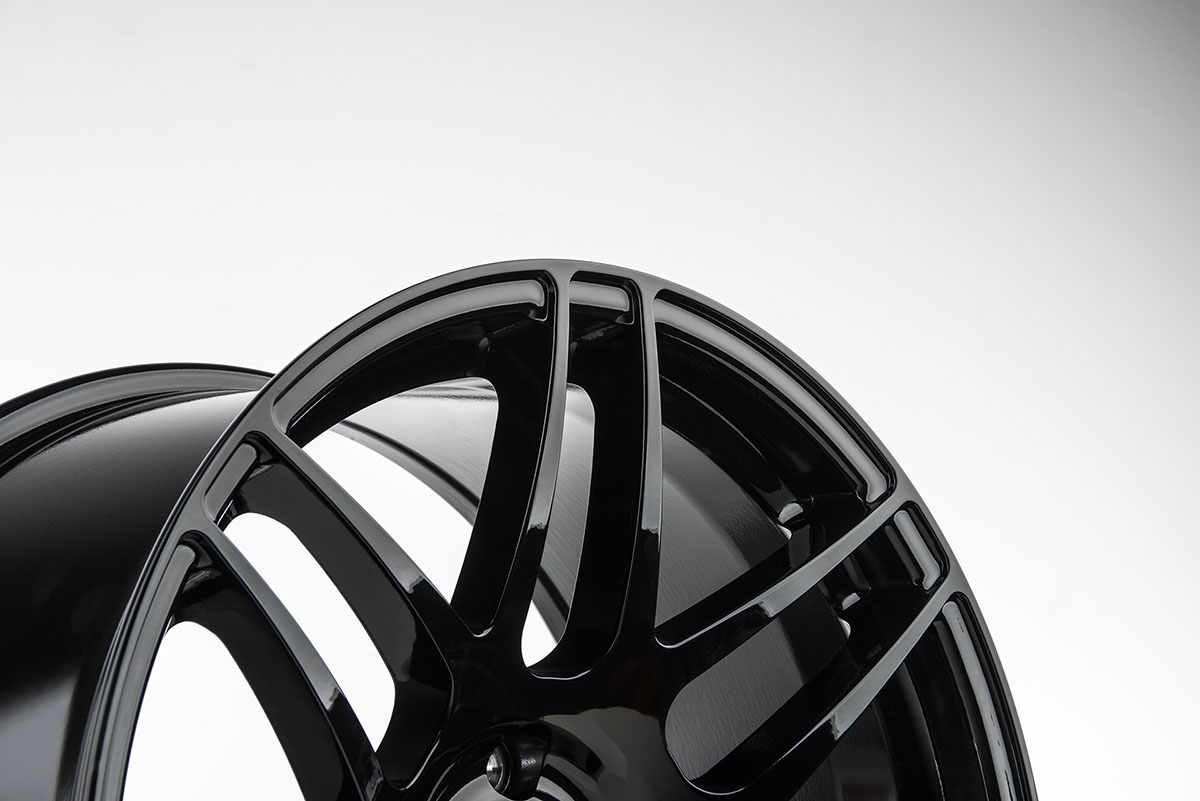 F14-19x9.5-Gloss-Black-3