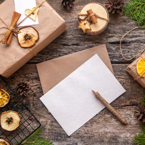 Holiday Sundries Gift Box