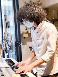 姚朗晴. 創意產業音樂學士. 香港浸會大學. 2025