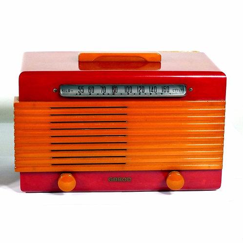 Garod Model 6AU1 Catalin / Bakelite Radio : Yellow on Red