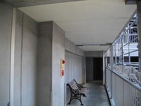 Fビル廊下施工前.JPG