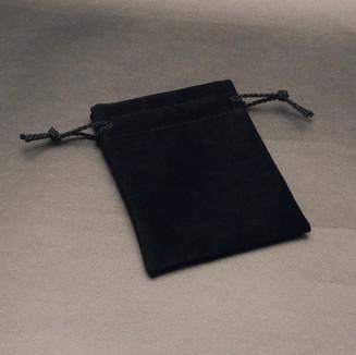 Noir (black)