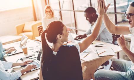 Felicidade no trabalho aumenta produtividade em 12%, diz pesquisa