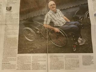 Jeg indsamler brugte kørestole og giver til fattige Thaier