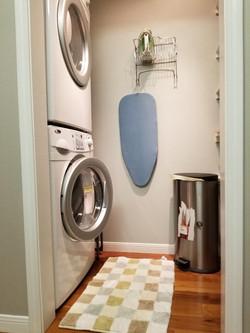 04 220 2 laundry rm