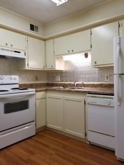 02 216 3 Kitchen