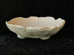 BOWL WITH FEET