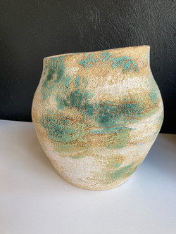 LARGE VESSEL WITH OXIDES AND GLAZE
