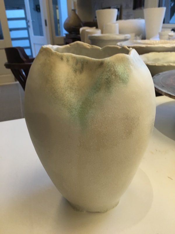 STONEWARE VESSEL BLUE MATT WHITE