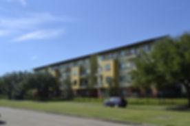 houston-texas-apartment-complex-2732447_
