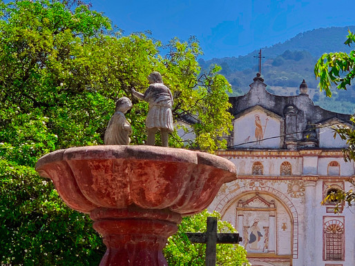 Eyeing Antigua, Guatemala with my camera