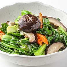 507 Stir Fried Young Cabbage with Mushroom