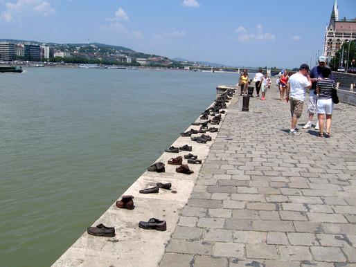 Башмаки.  Евреям Будапешта – жертвам Холокоста.