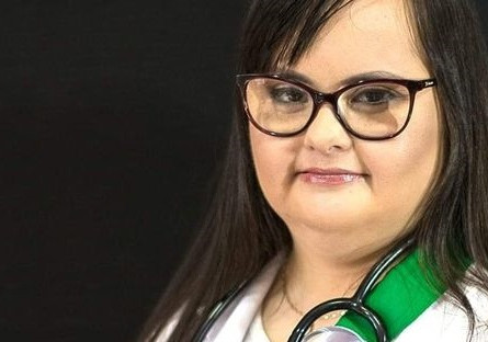 Luana Rolim faz história como a primeira vereadora com trissomia 21 no Brasil
