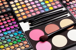 how_to_make_makeup_palettes.jpg