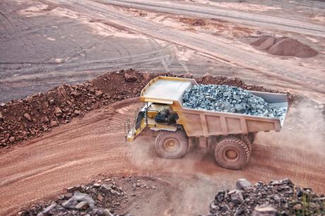 Mineração baiana se destaca pela remuneração frente a outros setores e por mão de obra local