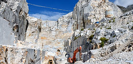 open-cast-mining-in-a-carrara-marble-qua
