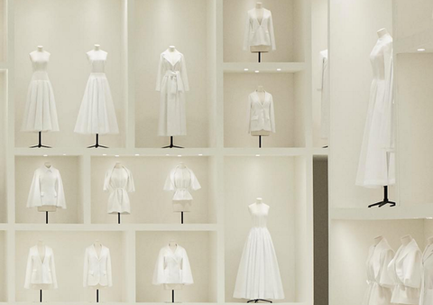 CHRISTIAN DIOR - HAUTE COUTURE  HOMAGE TO THE DRESSMAKER - BEAUTIFUL STYLING