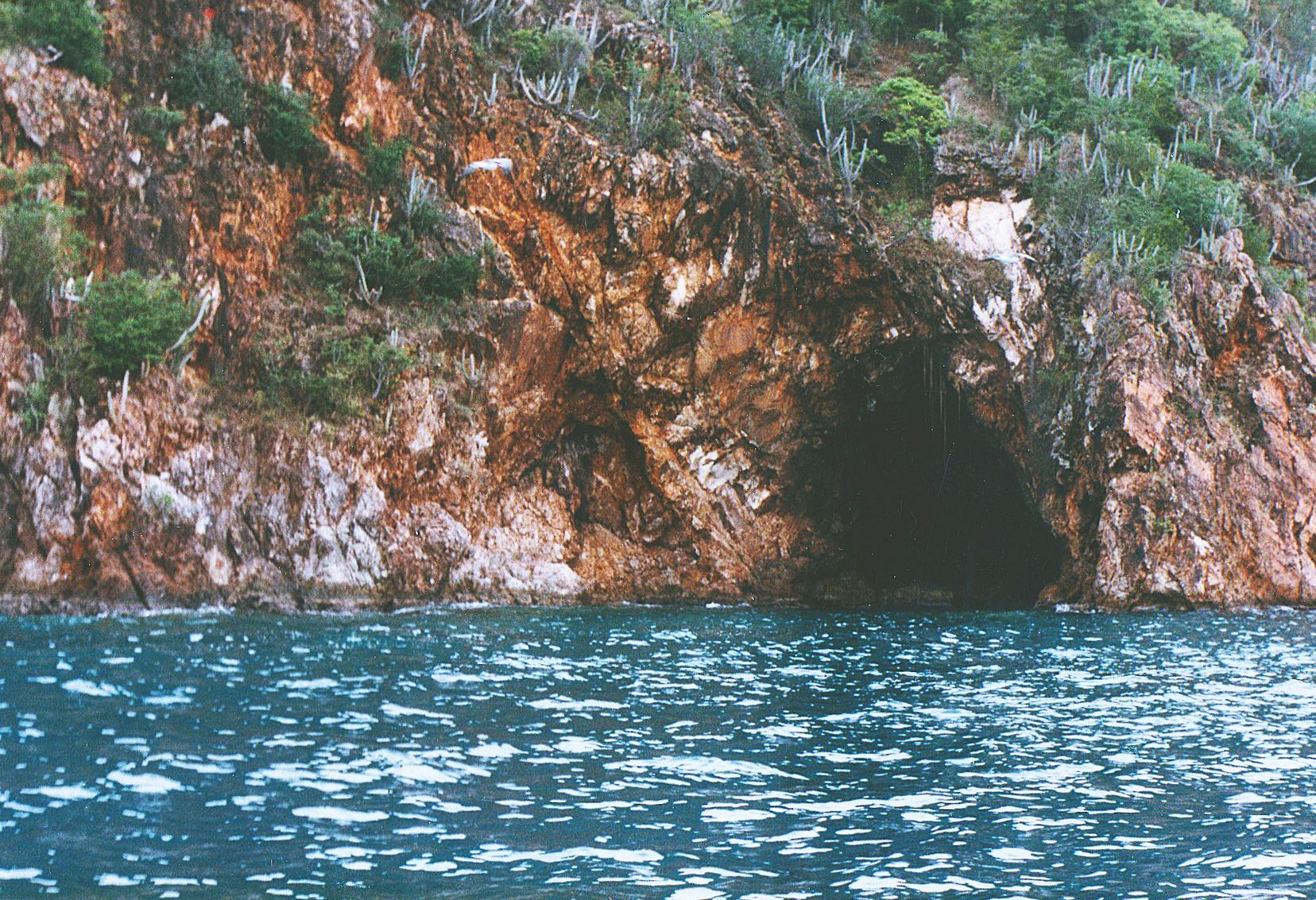 BVI Cave83.jpg