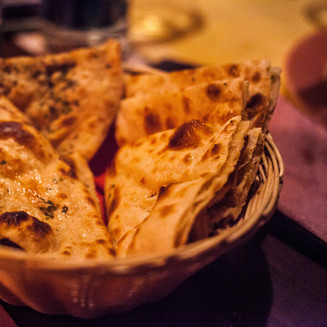 basket-of-cooked-flatbreads-1117862.jpg
