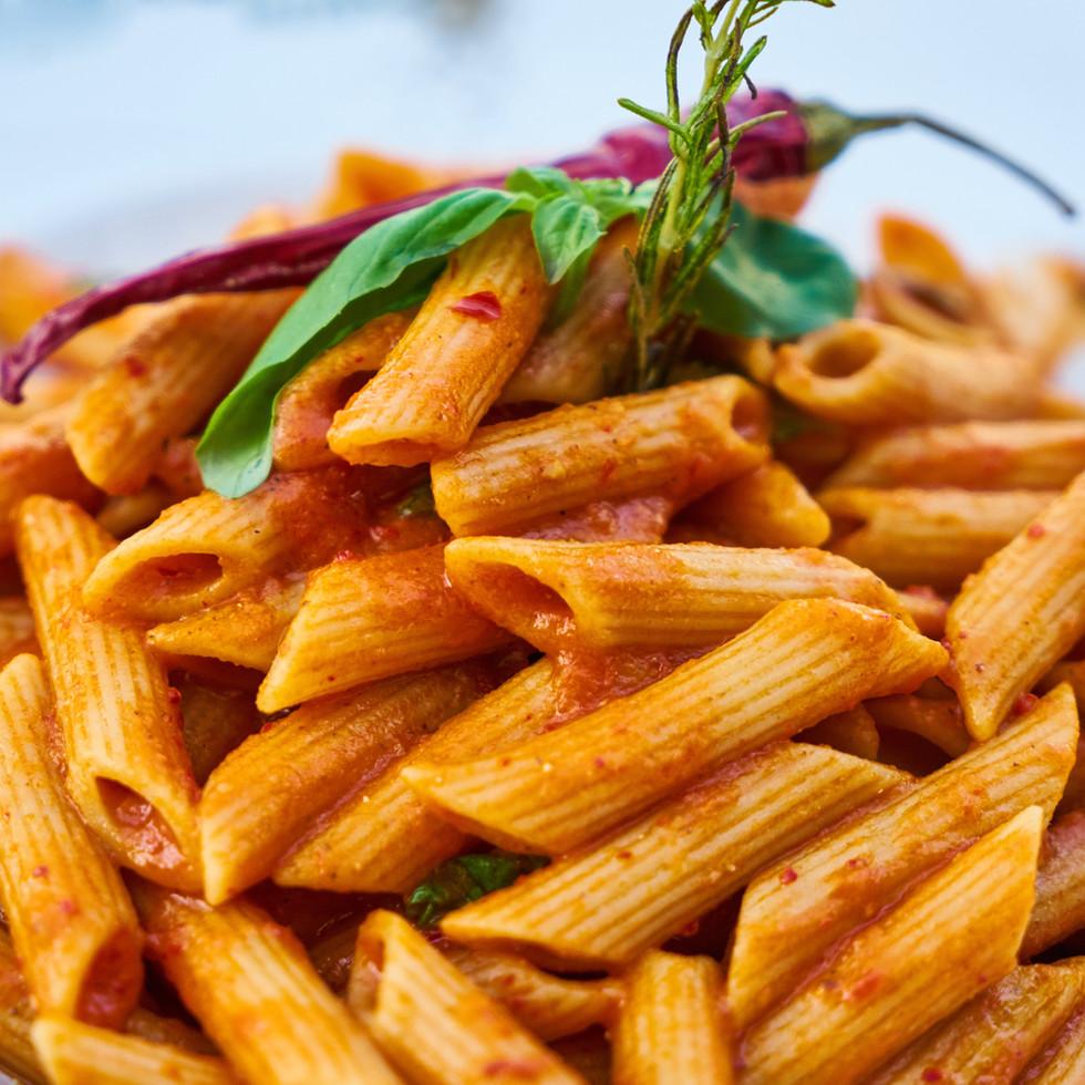 closes-up-photo-of-macaroni-1437267.jpg