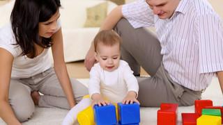 Falar com as crianças é a melhor maneira de incentivar o desenvolvimento da linguagem, diz estudo