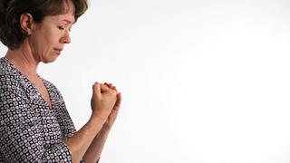 Dedo em gatilho atinge mais mulheres que homens