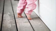 Andar na ponta dos pés pode causar danos e precisa ser corrigido