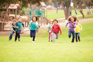 10 brincadeiras para estimular o desenvolvimento infantil nas férias