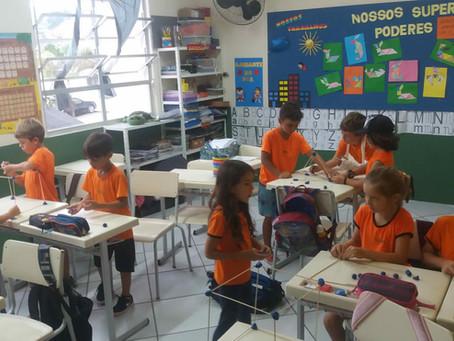Construindo figuras geométricas com palitos. 2º Ano
