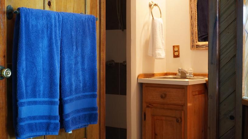 Studio-interior-bathroom.jpg