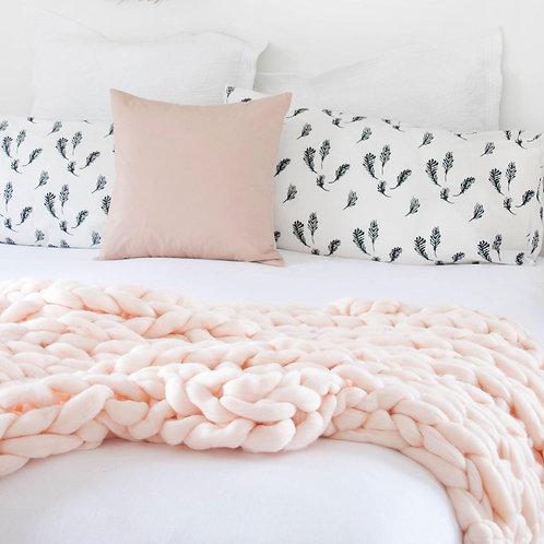 Merino Wool Chunky Knit Blanket - Dusty Pink