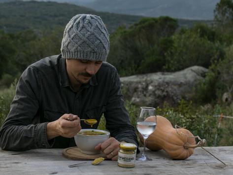 Sopa de calabaza con Rawmesano, un infaltable de este invierno!