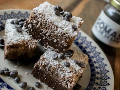 Bocaditos crudiveganos de mousse de cacao y almendras