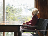 elderly-woman-hearing-loss-07f3715b69663