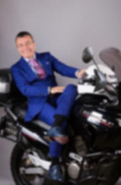 honda-transalp-motosiklet-portre-mimar-fotoğrafçekimi-reklamfotoğrafı-editoryal-takımelbise-fotoğrafçı