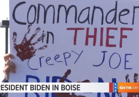 The Right Resistance: Americans abandoning Joe Biden's ship, but can Trump save the crew?