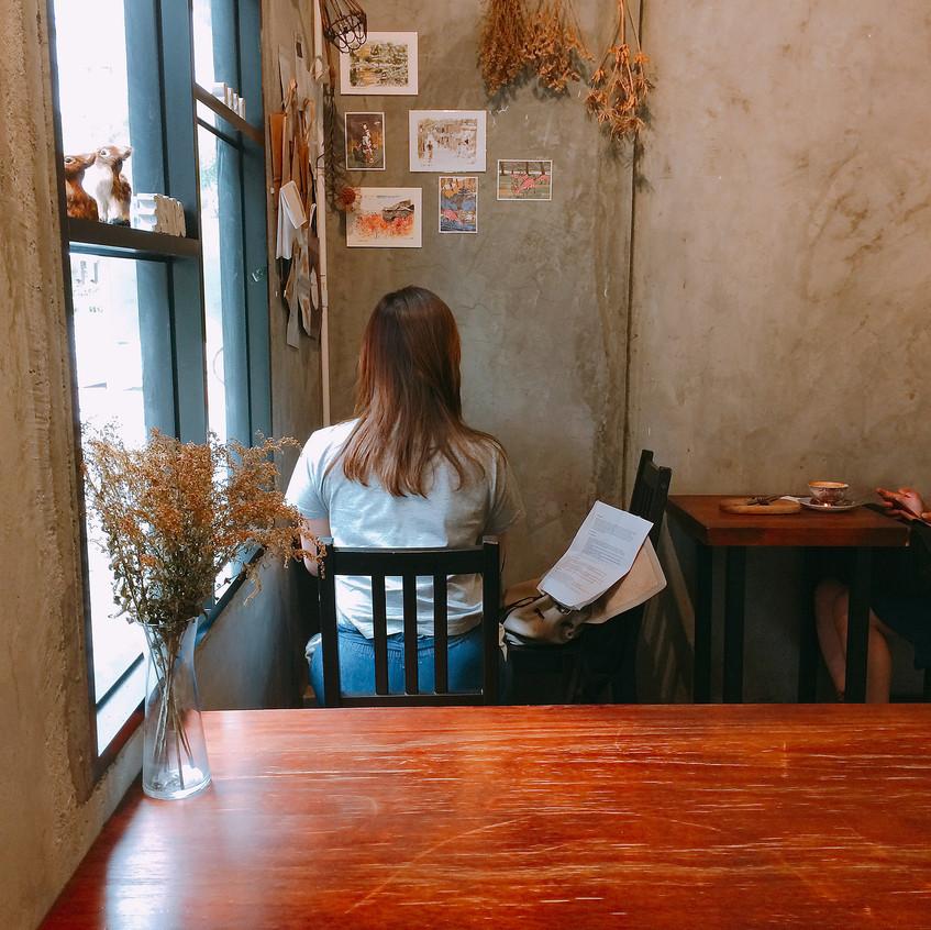 咖啡店內_1