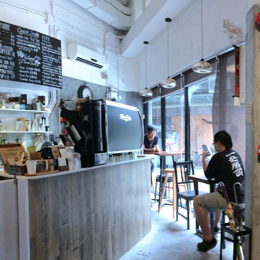 咖啡店內_3