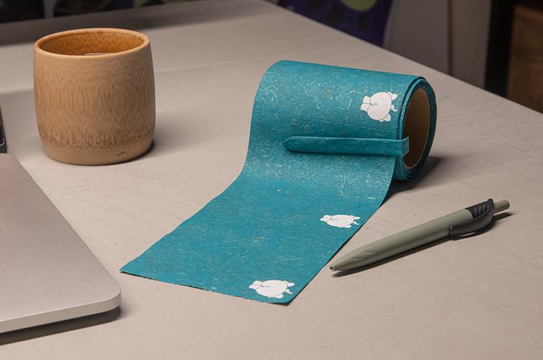 Rollos de papel fabricado con estiércol