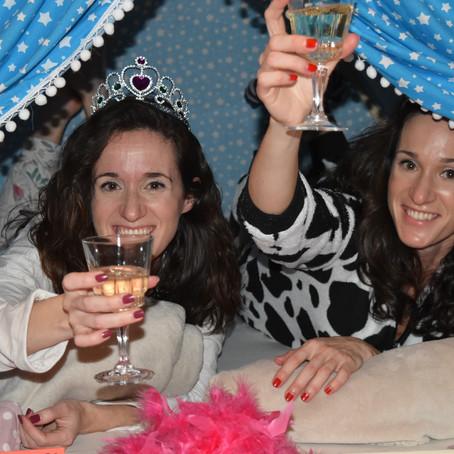 Een Vrijgezellenfeestje of een Slaapfeestje vieren? dat kan, met teepees & fun