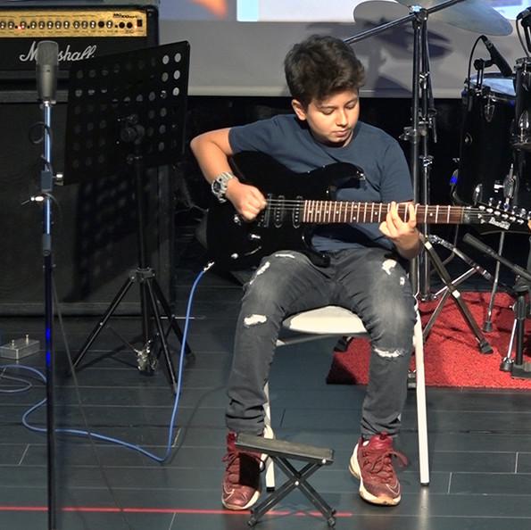 Elektro Gitar Eğitim Diyez Müzik