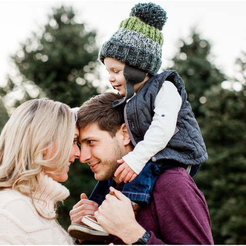 Christmas Tree Farm Family Portraits // The Hoffmans // Baltimore Maryland Photographer
