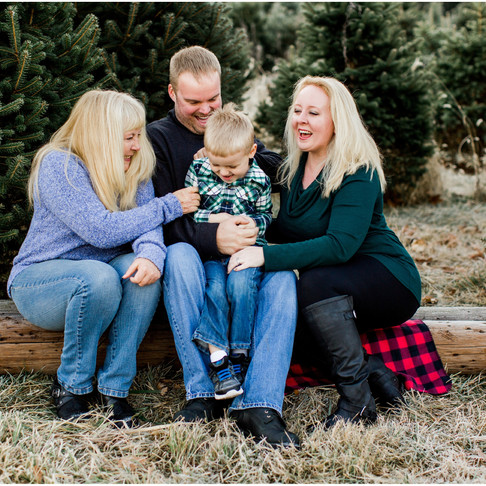 Holiday Family Portraits // The Vogels // Maryland Portrait Photographer