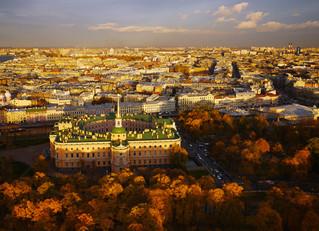 Возможно ли найти достойный и недорогой гостиничный номер в центре Петербурга?