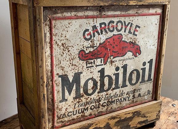 Gargoyle Mobiloil olieblikkenkrat