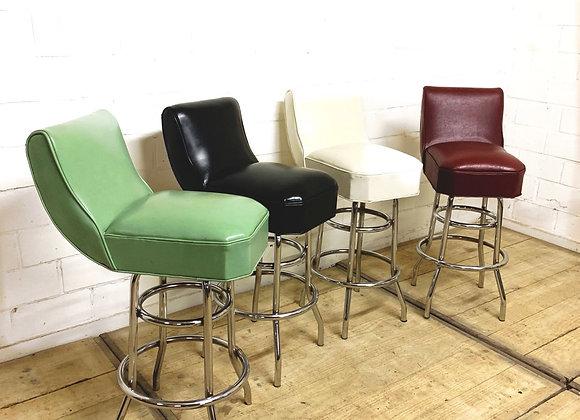 Set van 4 kleurrijke vintage barstoelen