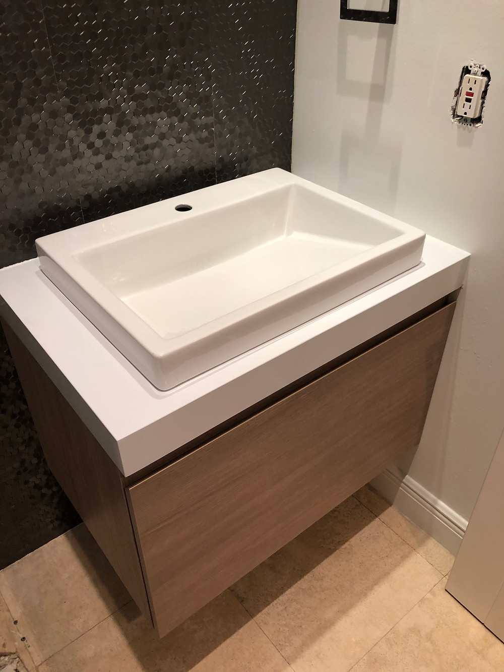 Cambria white quartz countertops installer near me Boca Raton FL, Contact Stone and Quartz LLC