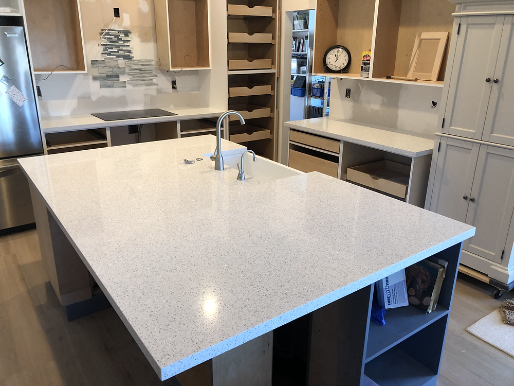 Cambria quartz countertops Boynton Beach FL. Contact the experts Stone and Quartz LLC