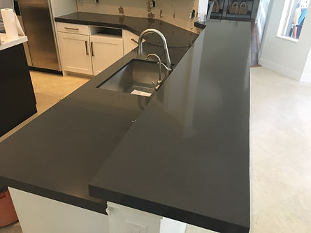 Quartz Countertop fabricator near me